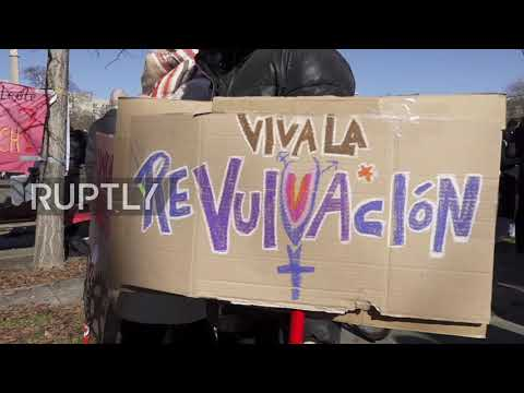 Germany: Hundreds rally in support of female healthcare workers at IWD demo in Berlin