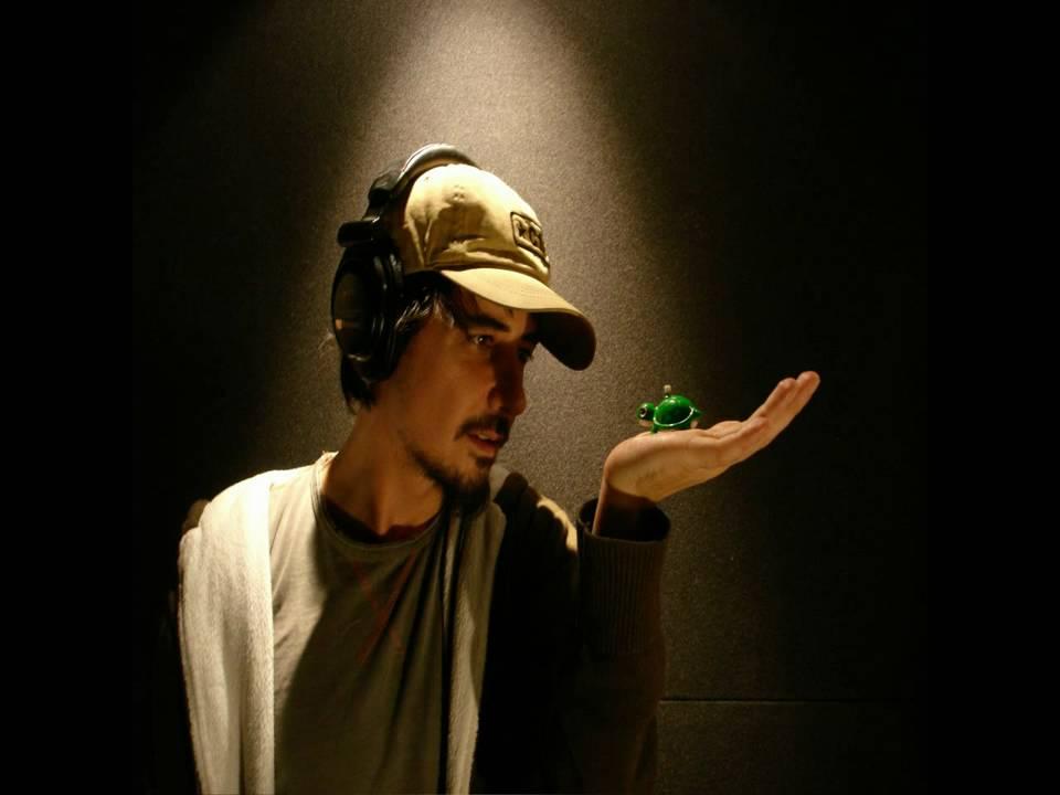 Amon Tobin - Noisia (Machinegun) - YouTube