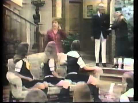 Dorothy Loudon sings Hard Hearted Hannah
