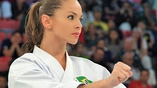 【4K】ブラジルの空手女神 Powerful and beautiful Karate from Brazil thumbnail