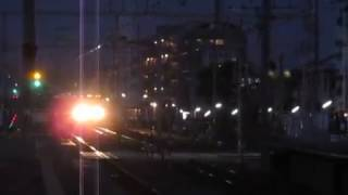 JR神戸線223系2000番台快速摂津本山駅高速通過1