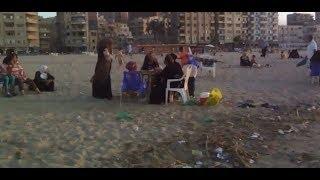 بدأت على فيس بوك  قصة انتشار الديدان في شاطئ الدخيلة بالإسكندرية