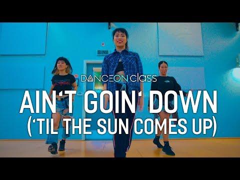Garth Brooks - Ain't Goin' Down | Coco Natsuko Choreography | Stagecoach X DanceOn Class