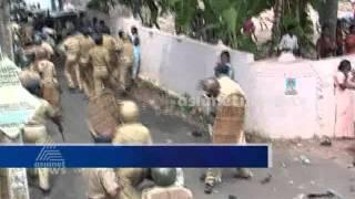 Kollam bishop house protest: പ്രകടനം നടത്തിയവര്ക്ക് നേരെ ലാത്തിച്ചാര്ജ്