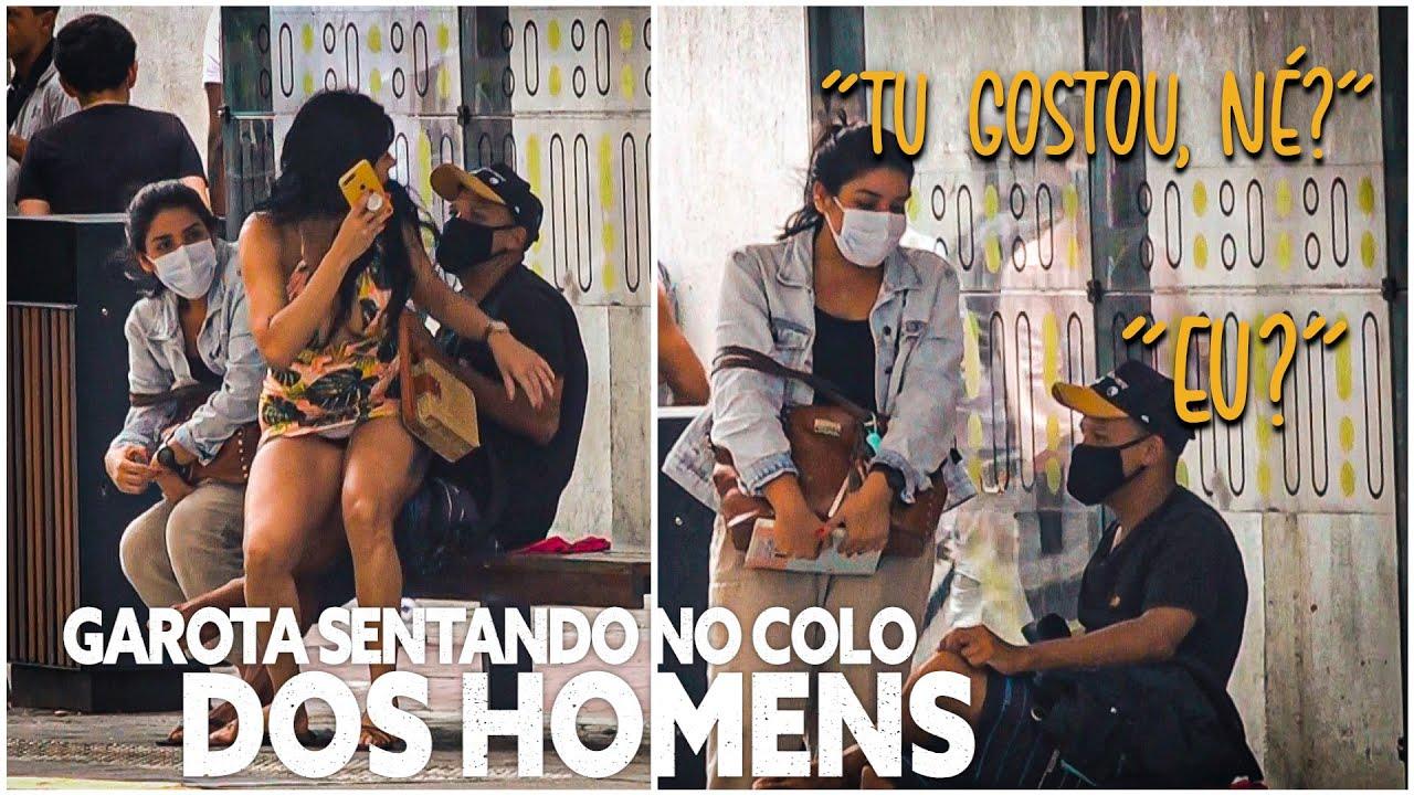 GAROTA SENTANDO NO COLO DOS HOMENS - Pegadinha