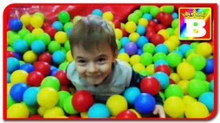Indoor playground family fun place for kids GIANT BALL PIT Play room with balls Children play Area a