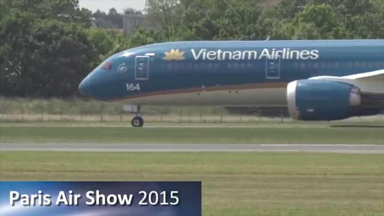 Paris air show 2015 dream display a boeing test pilot s for Air show paris 2015