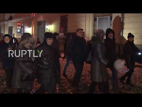 Latvia: Thousands stage protest in Riga to keep Russian language in schools