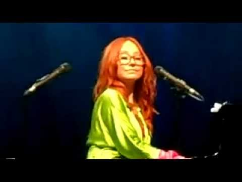 Tori Amos - Real men - Monte Casino- Johannesburg, South Africa 26-06-2014
