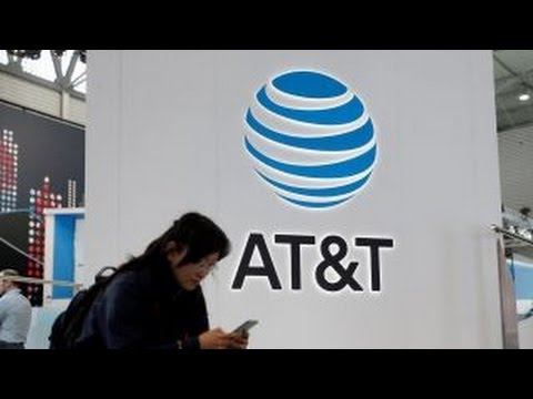 Report: AT&T discusses merger with Time Warner