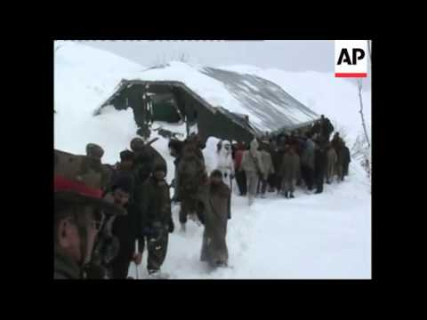 Avalanches kill 14 in Indian Kashmir
