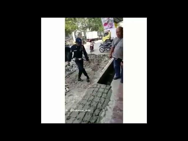 Preman Botak Songong Ditangkap Polisi - Full Video HD