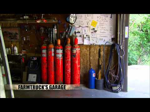 Download Youtube: Street Outlaws Exclusive Sneak Peek - Farmtruck and AZN Move To New Garage