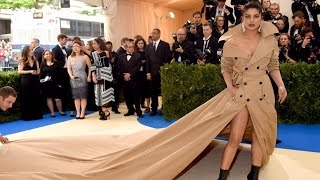 You Can't Afford To Miss Priyanka Chopra's This Outfit At Met Gala