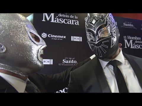 """Sin Cara asiste al estreno de """"El Hombre detrás de la Máscara"""""""