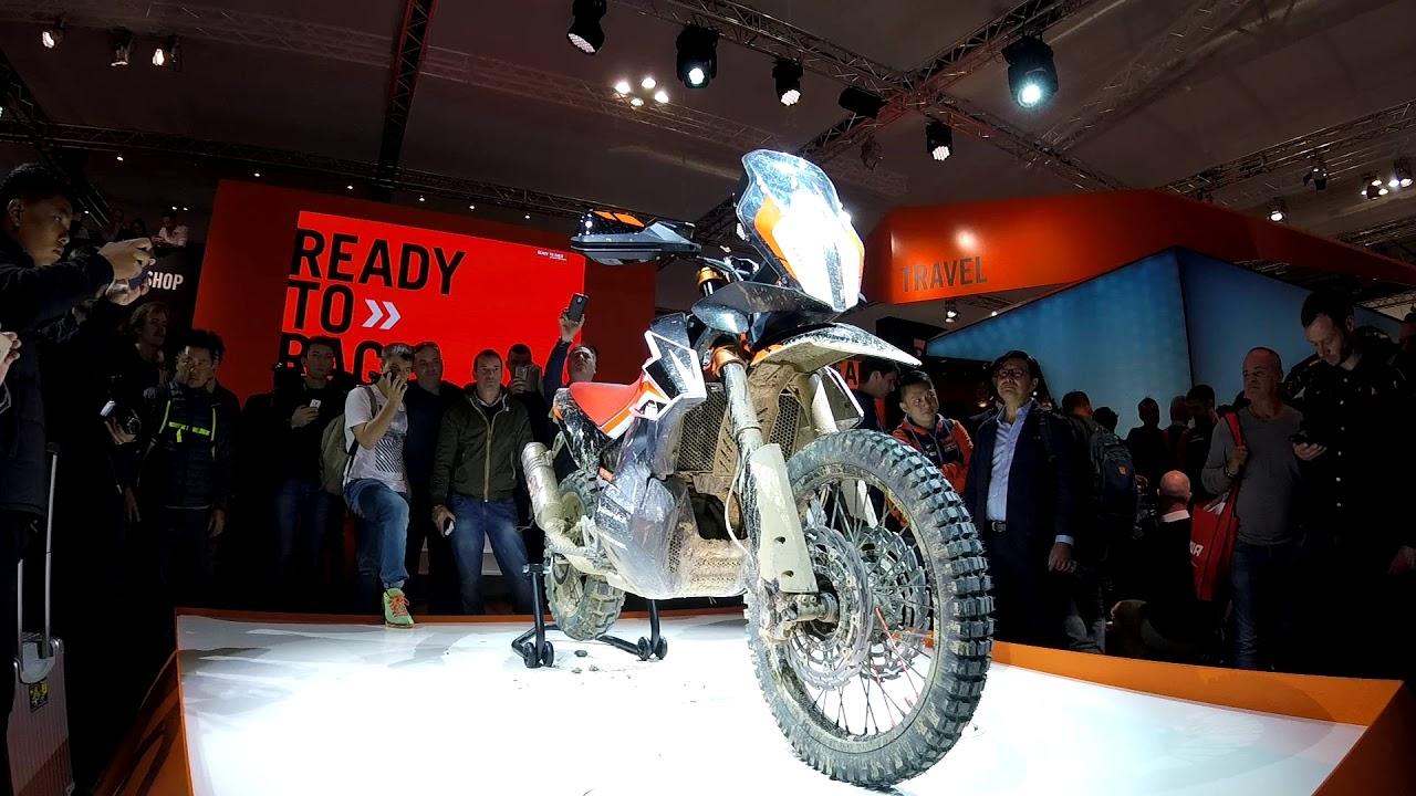 Honda Garage Utrecht : Pazzesco garage eicma adventure bikes yamaha honda