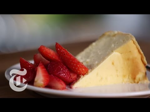 Classic Cheesecake Recipe: Craig Claiborne and Sam Sifton | The New York Times