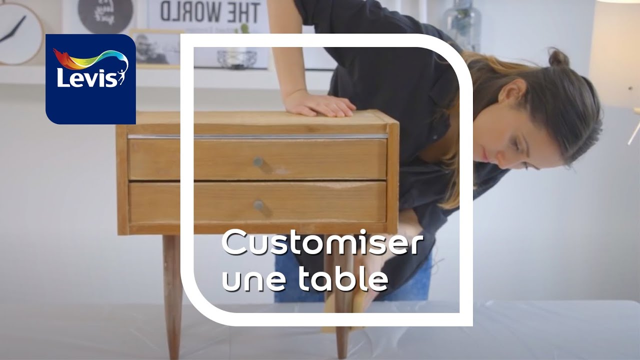 customiser une table de nuit vintage avec levis vernis et levis meubles youtube. Black Bedroom Furniture Sets. Home Design Ideas