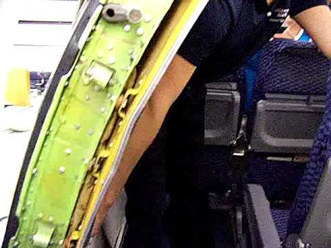 Continental Airlines How to open Emergency Exit Boeing 737-200