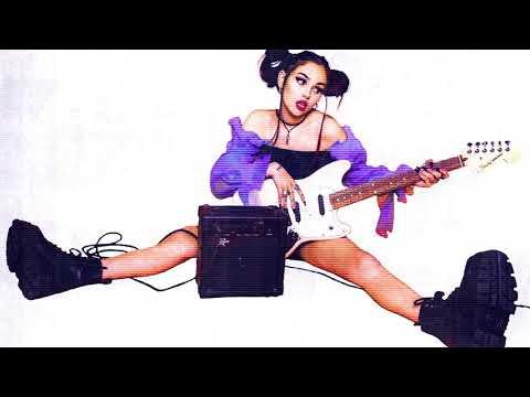 Maggie Lindemann - Knife Under My Pillow