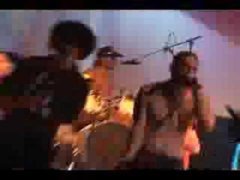 Cumbia De Los Aburridos Calle13 - YouTube