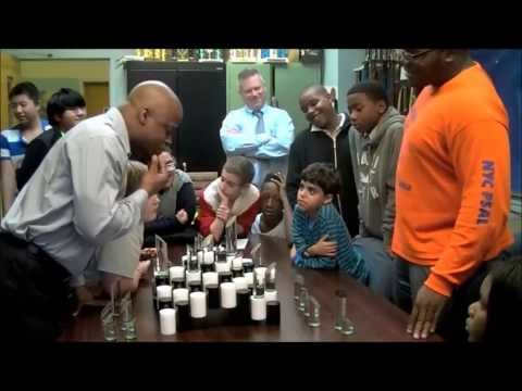 GM Maurice Ashley Terra Chess exhibition to thank Smiths
