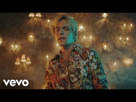 R5 - Hurts Good (Official Video)