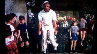A tribute to Gene Kelly- Singin