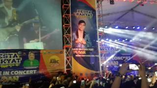 Video Fildan DA4 - Setetes Air Hina (Live Konser Perdana Di Kendari) download MP3, 3GP, MP4, WEBM, AVI, FLV Desember 2017