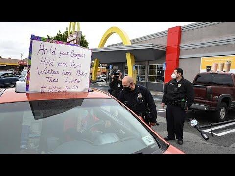 شاهد: موظفو -ماكدونالدز- يحتجون بعد إصابة أحدهم بفيروس كورونا…  - 22:59-2020 / 4 / 7