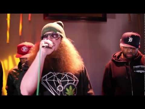 Kitchen Sessions: Rittz spits a verse from the SMKA cypher