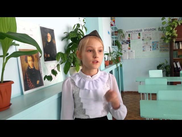 Изображение предпросмотра прочтения – ВероникаМиргородская читает произведение «Майор привез мальчишку на лафете» К.М.Симонова
