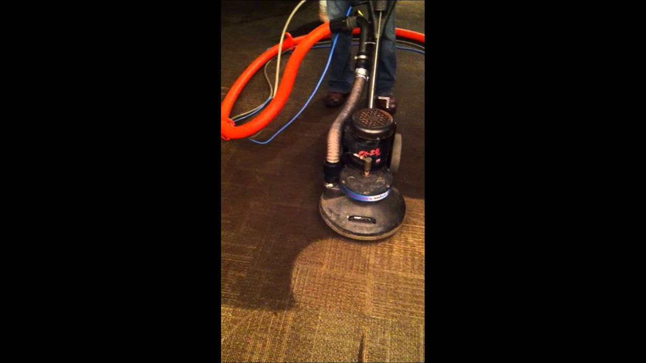 Hydramaster Rx 20 Rotary Carpet Cleaning Machine In Action