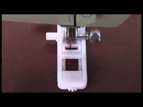 SINGER® 1-Step Mechanical Buttonhole Presser Foot Tutorial