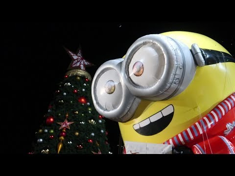 Christmas At Universal Orlando! | Holiday Parade, Christmas In The Wizarding World & More!