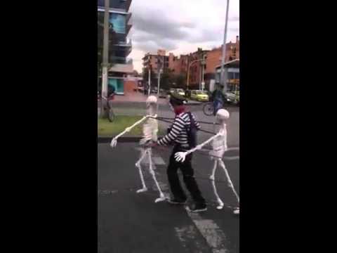 Prem Chori Mehngo Padiyo Gujarati funny video with ghost skeleton