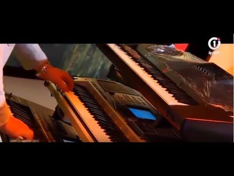 Hichem Smati synthé  Sur L'émission  هشام سماتي يبدع بي السانتي على المباشر