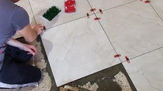 Укладка плитки на пол с помощью системы СВП - КУХНЯ