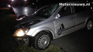 Auto tegen een boom in Drijber. Bestuurder gewond