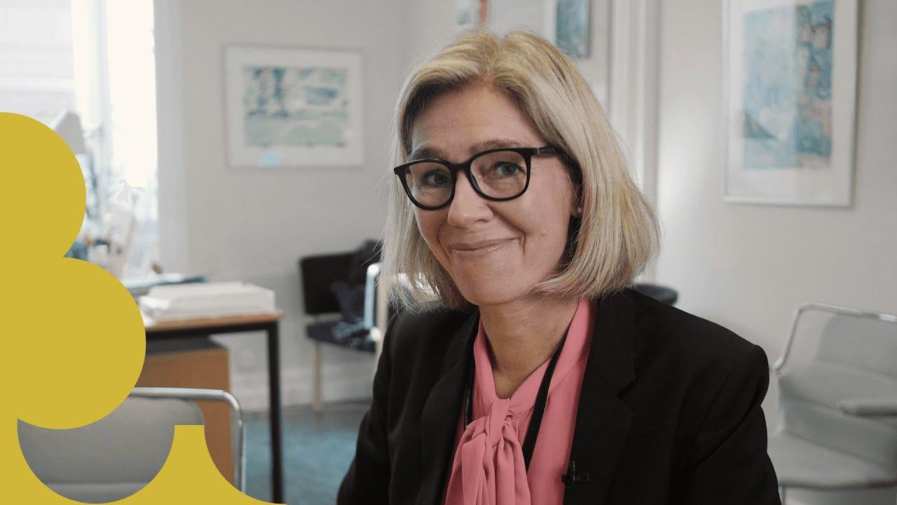 Kanslichef Johanna Möllerberg Nordfors i sitt tjänsterum i Riksdagshuset
