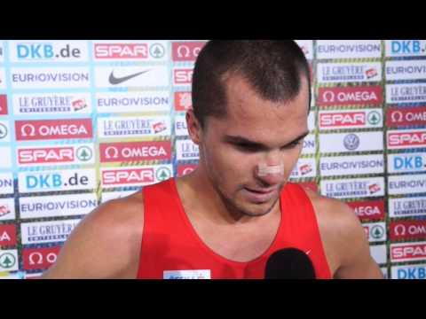 Jakub Holuša (CZE) before DQ in 1500m