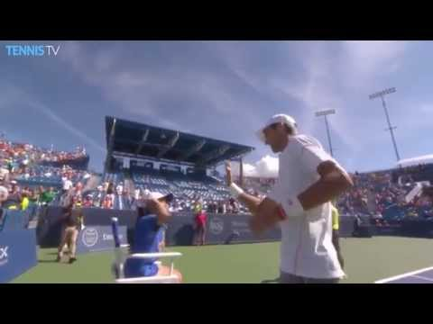 Novak Djokovic Forgets To High Five Girl Cincinnati 2015