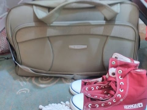 Whats in my bag (going for vacation@Riyadh)