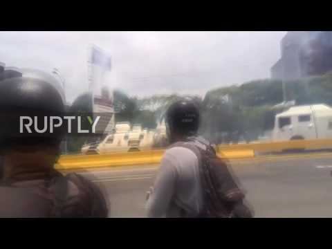 Venezuela: Water cannon and tear gas unleashed as anti-govt. protests escalate
