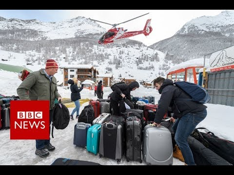 Thousands stranded in Swiss ski resort - BBC News
