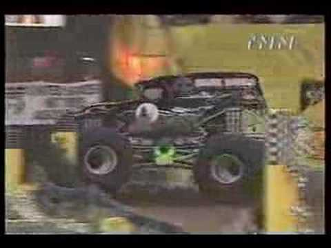 grave digger vs. wild thang rca dome 2000