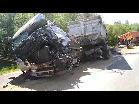 Перевозим седельный тягач Mercedes после аварии