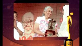 S Janaki Recieving