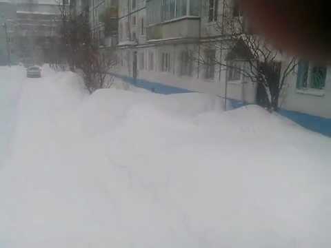 Смоленская обл. г. Вязьма Март месяц, снегопад.
