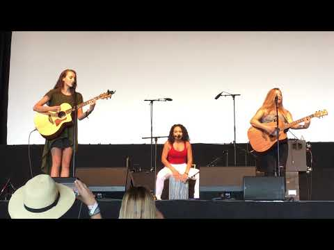 Jamella, Alexa Cappelli, and Jaclyn Lovey  Walk My Way  OC Fair  Costa Mesa, CA  07212018